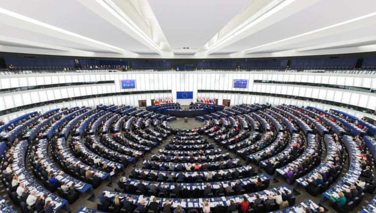 Az uniós atombombát vetik be a lengyelek ellen