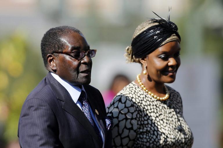 Mugabe maradhat Zimbabwéban