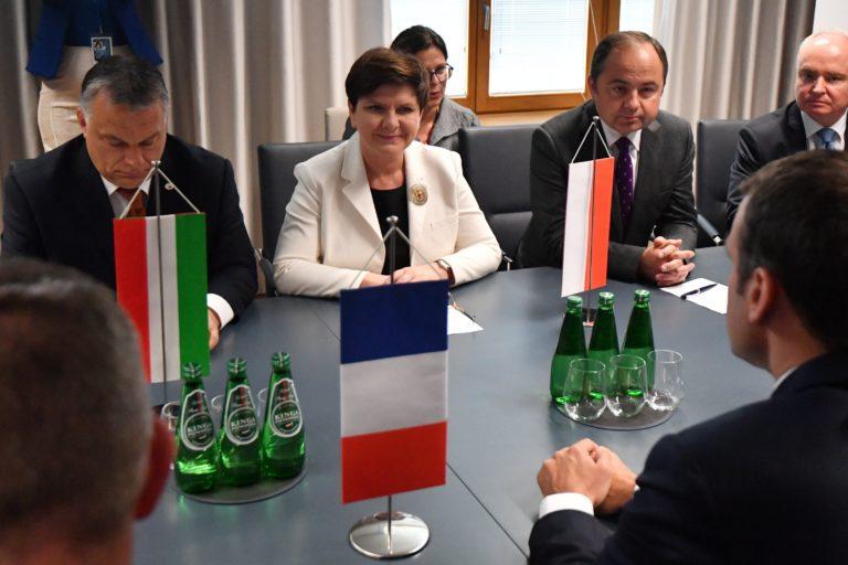 Kibékülni látszik Lengyelország és Franciaország