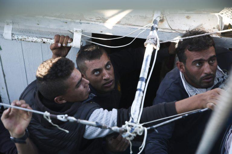 Embercsempészek hozzák a migránsokat a balkáni útvonalon