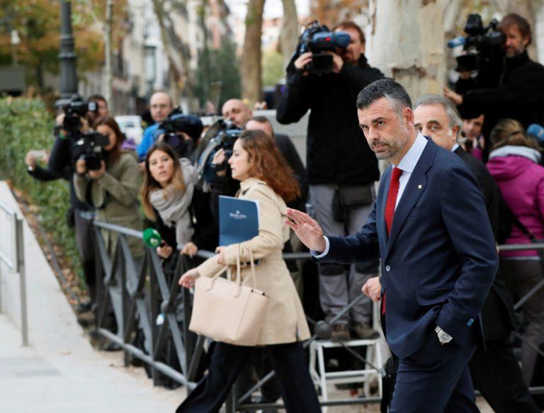 Letartóztattak nyolc katalán kormánytagot