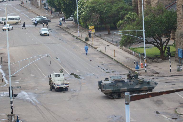 Házi őrizetben a zimbabwei elnök