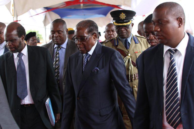 Mugabe elmozdítását kezdeményezi a kormánypárt