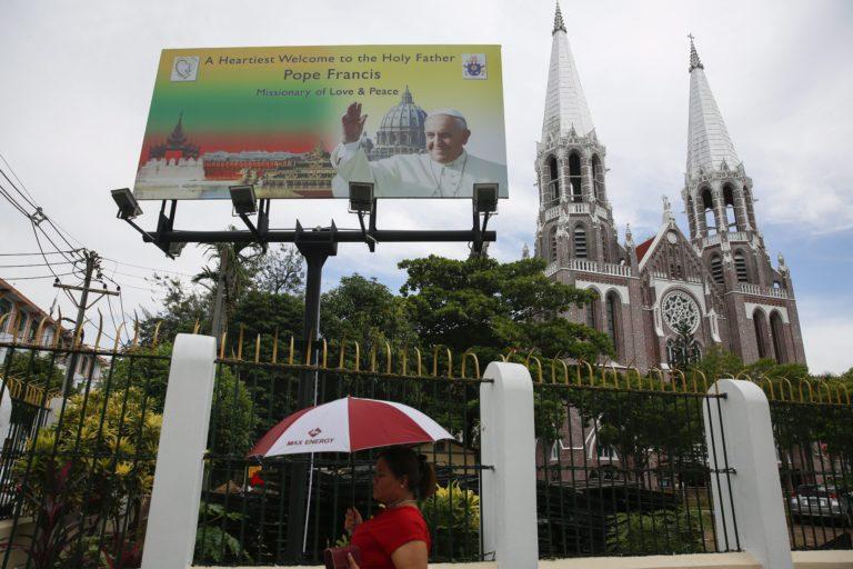 Kezdetét vette Ferenc pápa mianmari útja