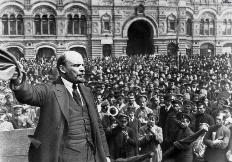 Applebaum: visszatért a bolsevizmus