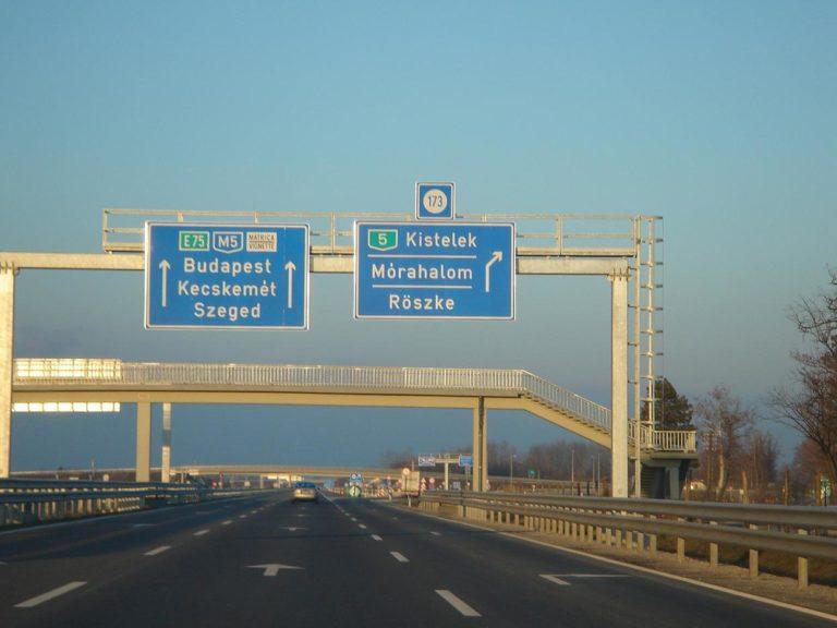 Az Együtt és a vajdasági Magyar Mozgalom közbenjárására gördülékenyebb a határátlépés Röszkénél