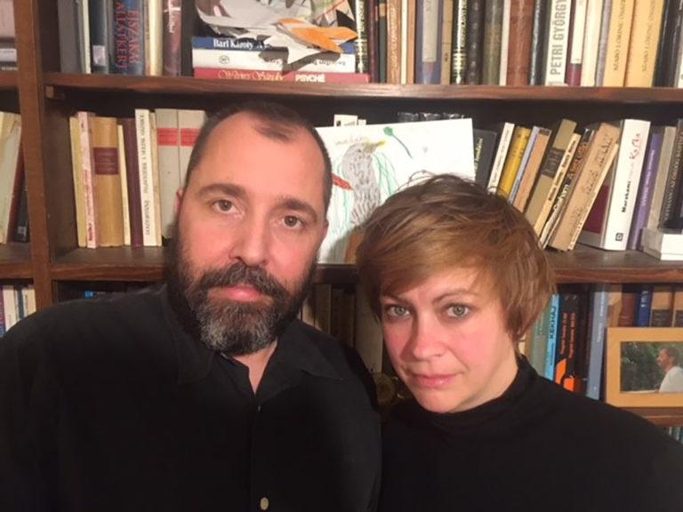 Üzenem a sorosozóknak: puszilják meg – páros interjú Sárosdi Lillával és Schilling Árpáddal