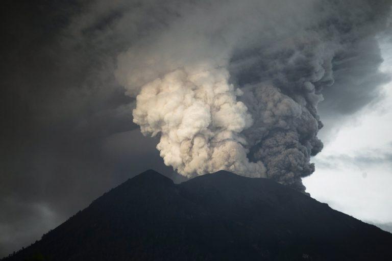 Minden pillanatban kitörhet a vulkán