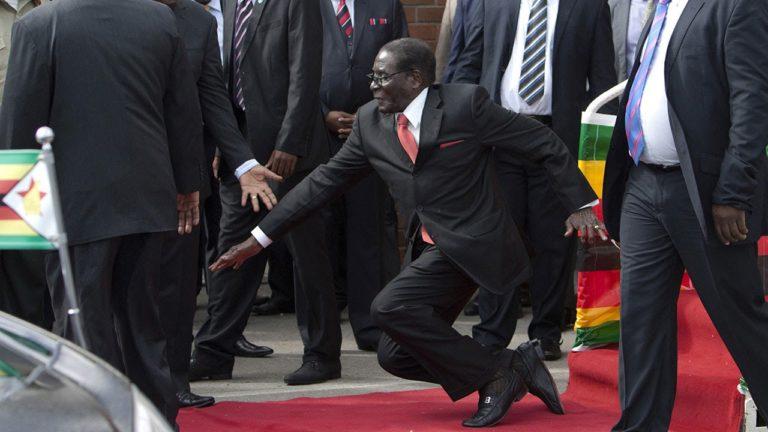 Padlóra kerülve – Robert Mugabe tündöklése és bukása