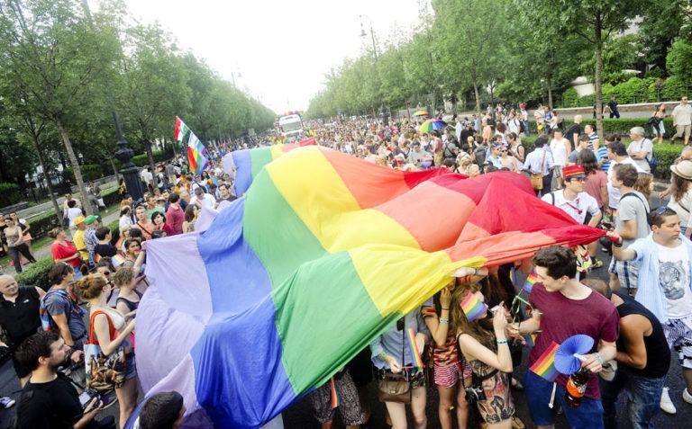 Az ausztrálok többsége támogatja a melegházasságot