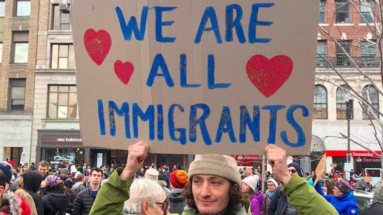 Minden 110 emberből egy menekült