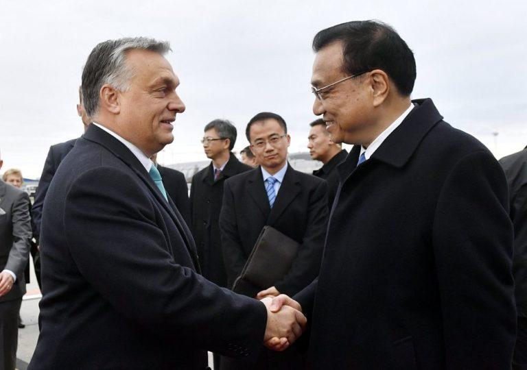 A látogató kínai – a fogadtatás talpnyaló