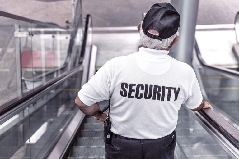 Őrző-védő cégek milliárdos csalásait leplezték le