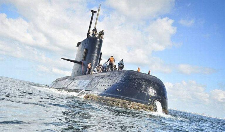 Feladták a reményt a tenger mélyén rekedt 44 tengerész hozzátartozói