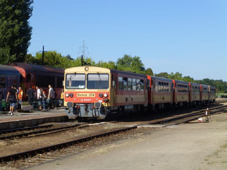 Tíz éve történt: Vonatozással tüntettek