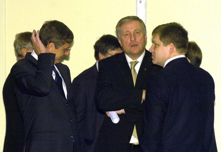 Tíz éve történt: Fico bárhol, bármiről kész tárgyalni a magyarokkal