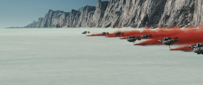 Elképesztően látványos és kevésbé komor lett az új Star Wars-film