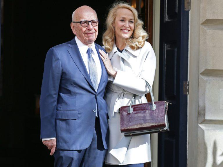 Rupert Murdoch eladta médiabirodalma nagy részét
