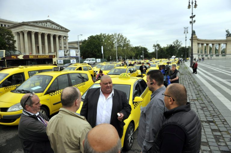 Mégis taxi az Uber