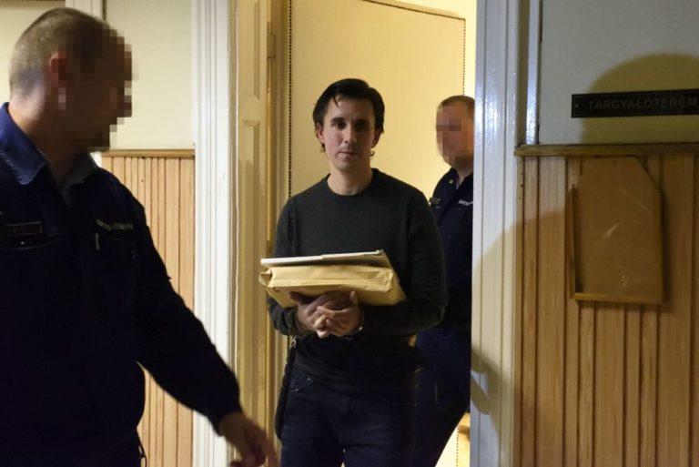 Megszüntette az ügyészség Czeglédy Csaba előzetes letartóztatását