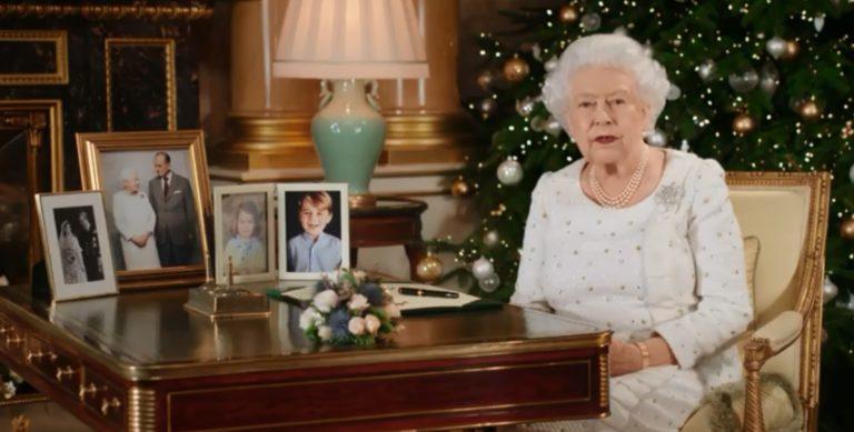 A terrortámadásokról is beszélt II. Erzsébet karácsonyi üzenetében
