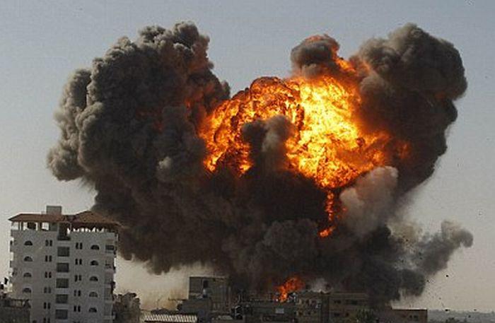 Szélsőségesek állásait bombázta Izrael a Gázai övezetben