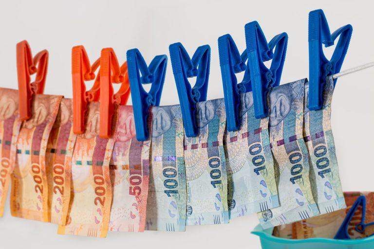 Az EU adóparadicsom-listájára várva