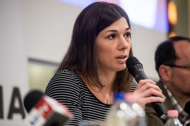 A Liberálisok a diákokkal való tárgyalásra szólítják fel a kormányt