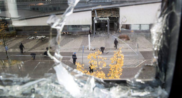 Bűnözők vadásznak a rendőrökre Svédországban