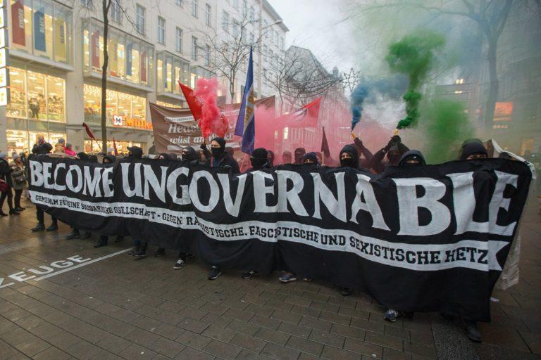Több tízezren tiltakoztak Bécsben a Kurz-kormány ellen