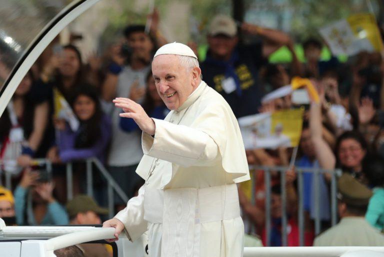 Ferenc pápa: az álhíripar a gonosz műve