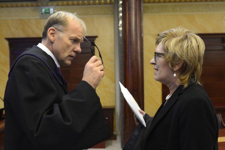 Fellázadtak a bírói tanács tagjai?