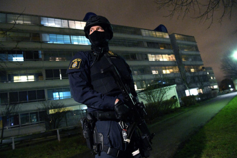 Robbanás egy malmöi rendőrőrsnél