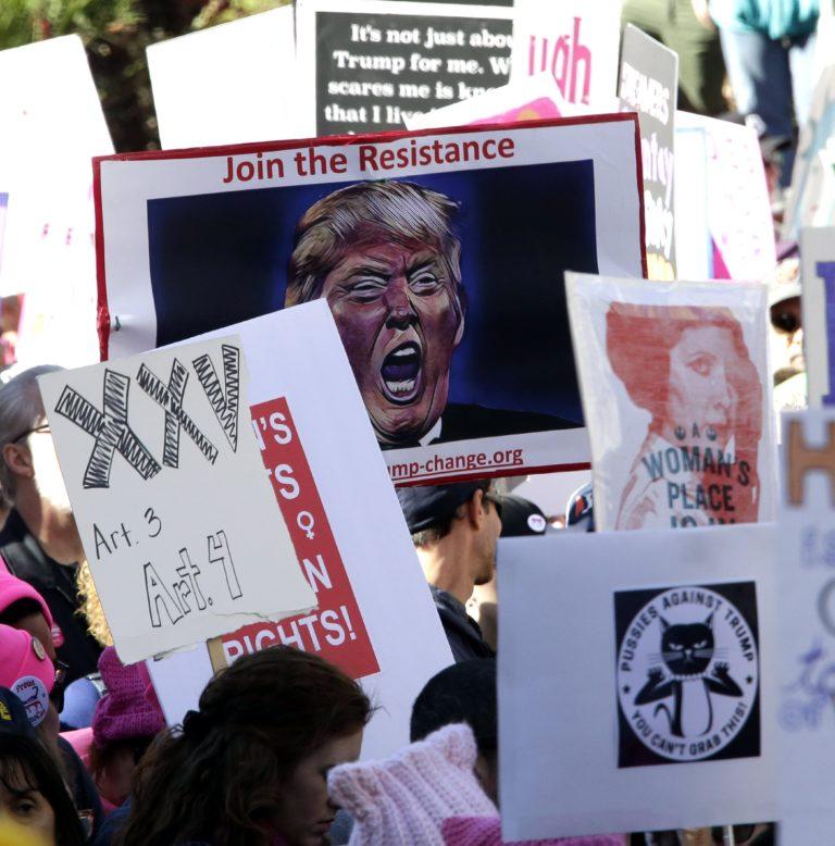 Nők menete Trump ellen Amerikában