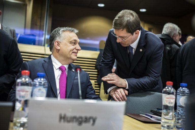 Orbán a Facebookon: a határkerítéssel nemcsak magunkat, hanem Európát is védjük