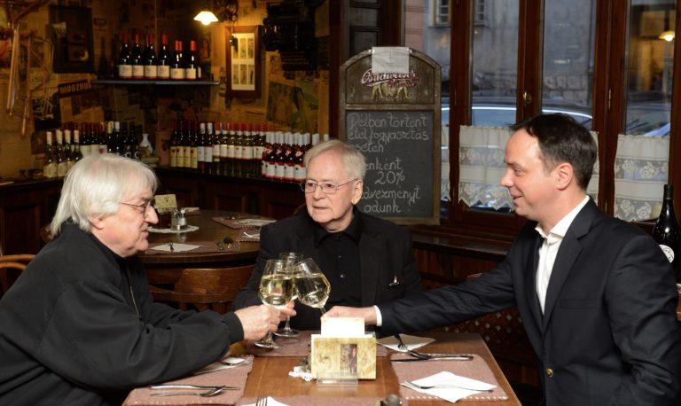 Helen Mirren is köszöntötte a születésnapos Szabó Istvánt