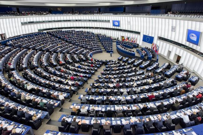 A románokat is ostorozza az EP