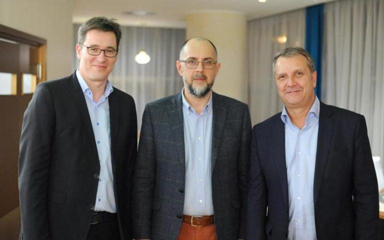 Tanácsokat kért Kelemen Hunortól két magyarországi ellenzéki vezető