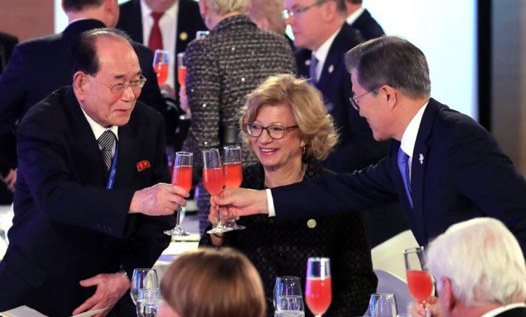 A dél-koreai elnököt meghívták Észak-Koreába