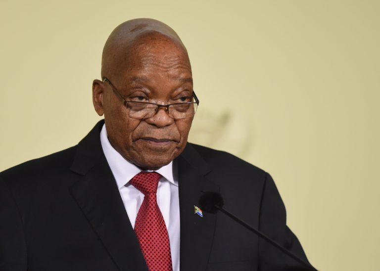 A korrupciós botrány miatt mondott le Dél-Afrika elnöke