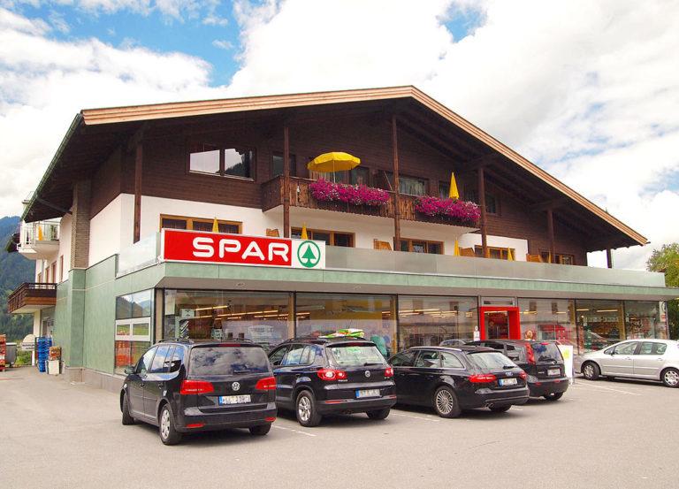 Spar-üzleteket vesz Mészáros Lőrinc