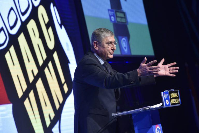 Nincs alku Orbánnal! Harc van! – hirdette meg a DK