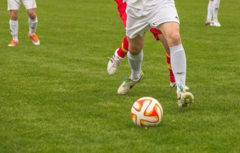 Két hét múlva hazamehet a kórházból a tizenegyszer újraélesztett futballista