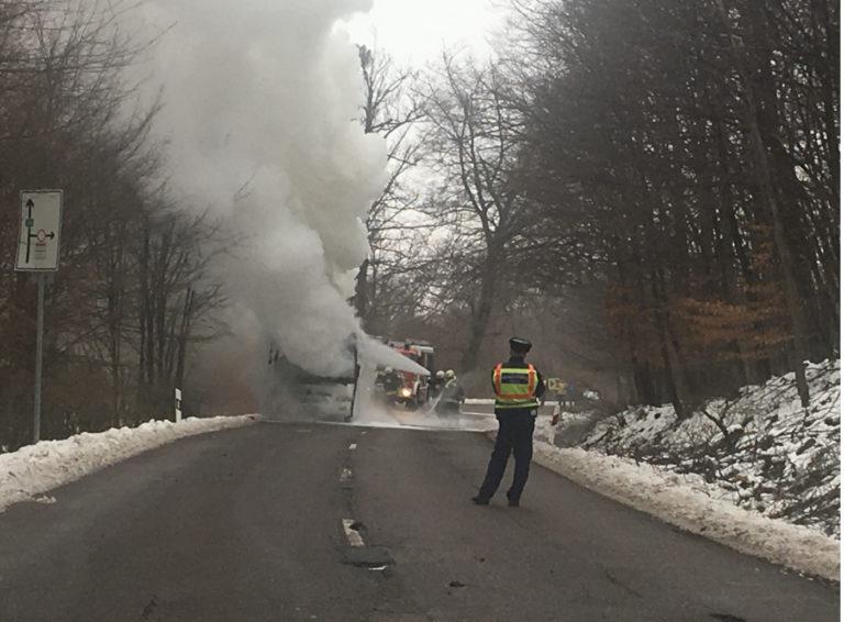 Kiégett egy busz Mátraházánál – VIDEÓ