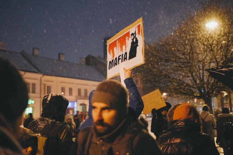 Omladozik Fico birodalma, tegnap több mint húszezren követelték a lemondását