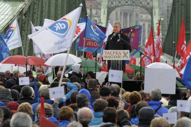 Gyurcsány tárgyalásra hívja az ellenzék vezetőit