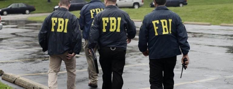 Az FBI nyomozhat, tanúvédelembe más léptethet