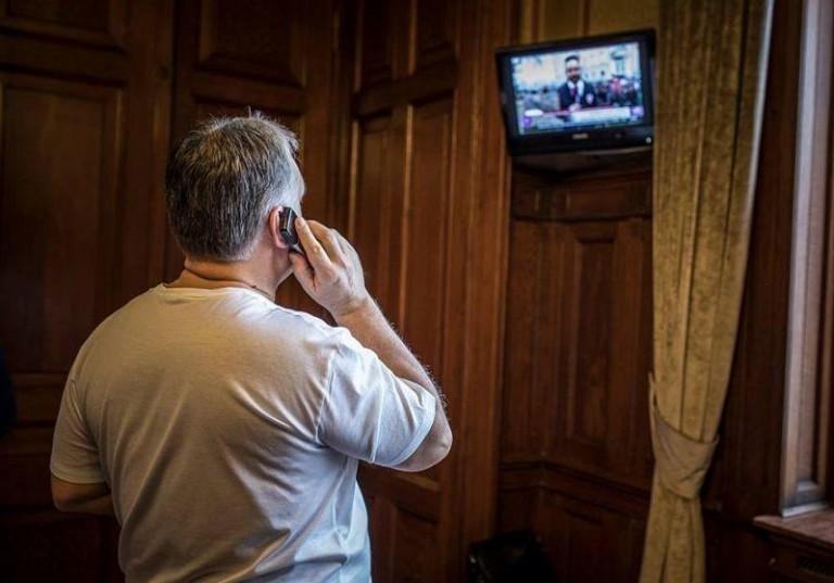 Havasi Bertalan üzent a sajtónak: Orbán nem hord golyóálló mellényt