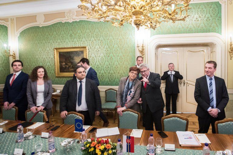 A korrupció leleplezése miatt megölt szlovák újságíró tragédiája magyar ügy is