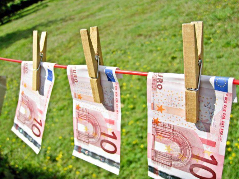 Kiderülhet, meddig nyúlnak az azeri pénzmosás szálai?